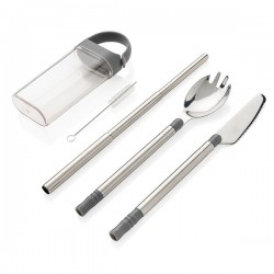 Pocketsize reusable cutlery set on-the-go, silver