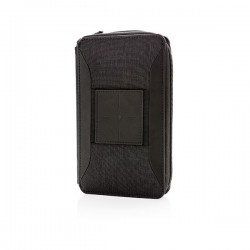 Swiss Peak modern travel wallet with wireless charging, blac